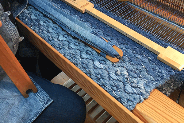 textiles-den-slide-2