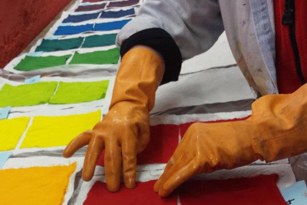 textiles-dyeing-400x600-3